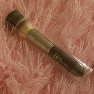 IT Cosmetics Heavenly Luxe Brush